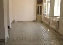 Hier wurde der Betonboden mit einer Dampfsperre abgedichtet