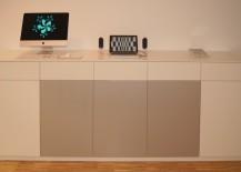 Sideboard MDF lackiert in weiß mit Silber Hochglanz. Schubladen und Türen mit Tip-On